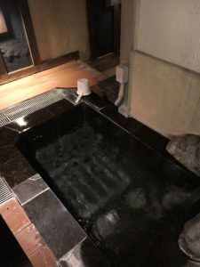 沼津ラブホテルのラヴァーズレーンの露天風呂