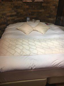 歌舞伎町ラブホのベッド