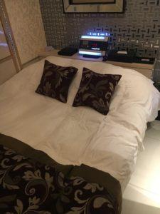 歌舞伎町のラブホテルのベッド