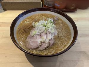 すみれの味噌チャーシュー麺