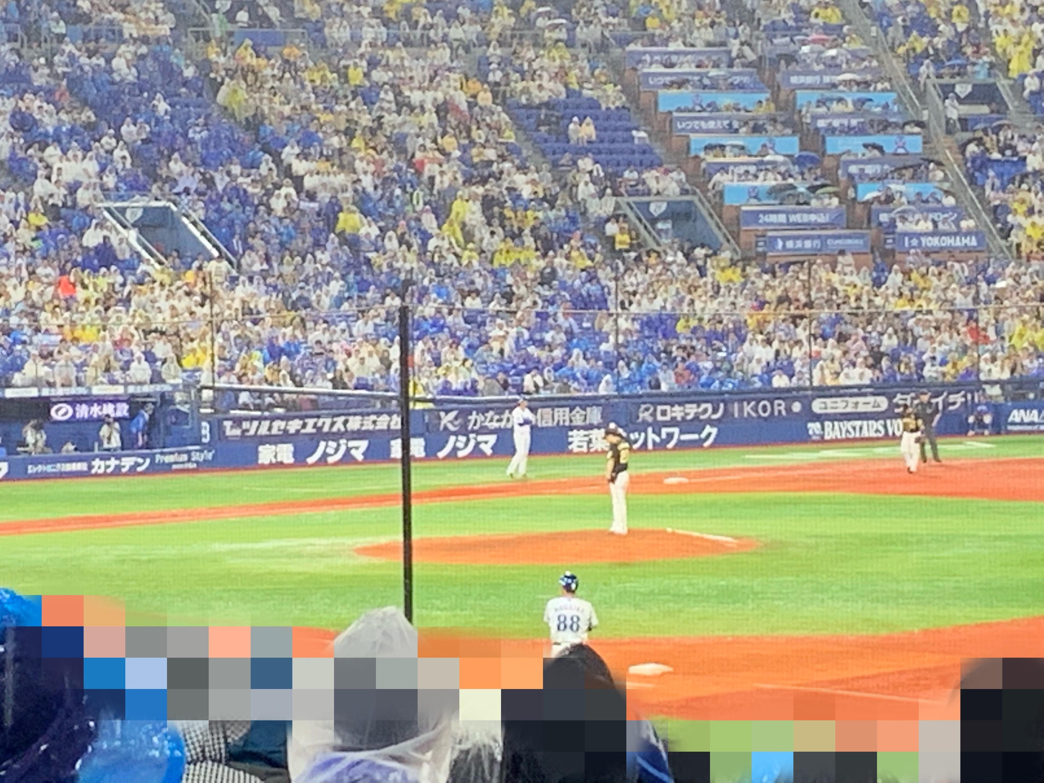 阪神対横浜の延長戦の画像