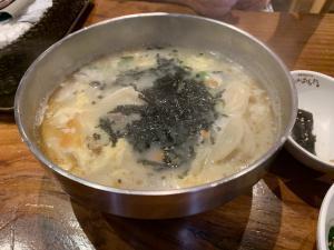 でりかおんどるのお餅と餃子のスープの画像