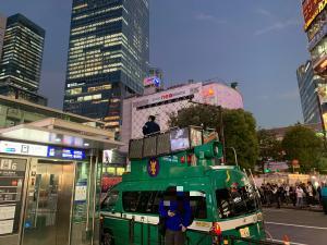 渋谷ハロウィンの警備の画像