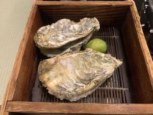 渡鹿野島の旅館福寿荘の晩御飯の的矢牡蠣の画像