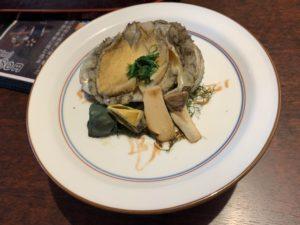 稲取銀水荘の夕食のアワビの酒蒸しの画像
