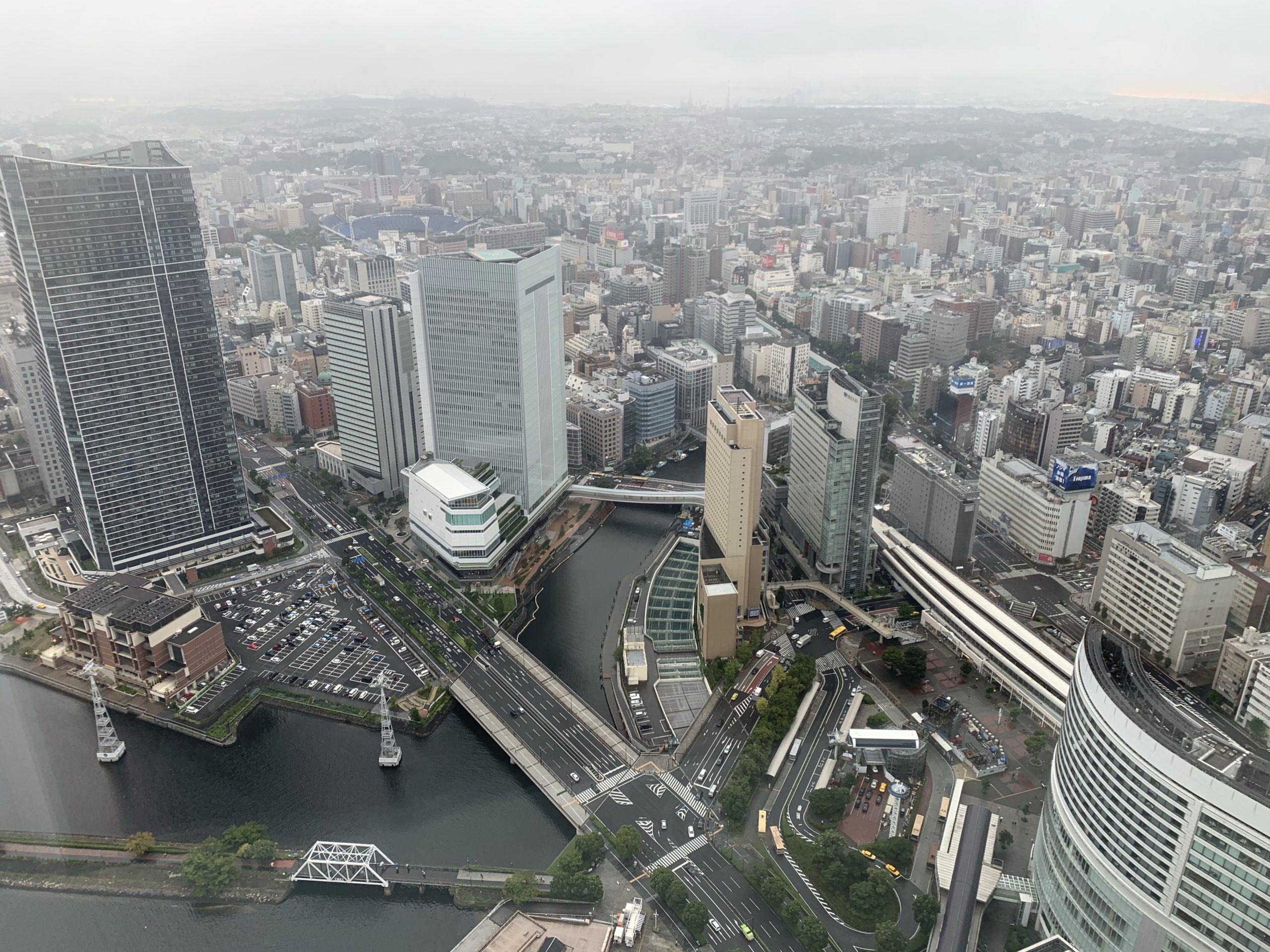 横浜ロイヤルパークホテルのアトリエフロアの部屋からの景色の画像